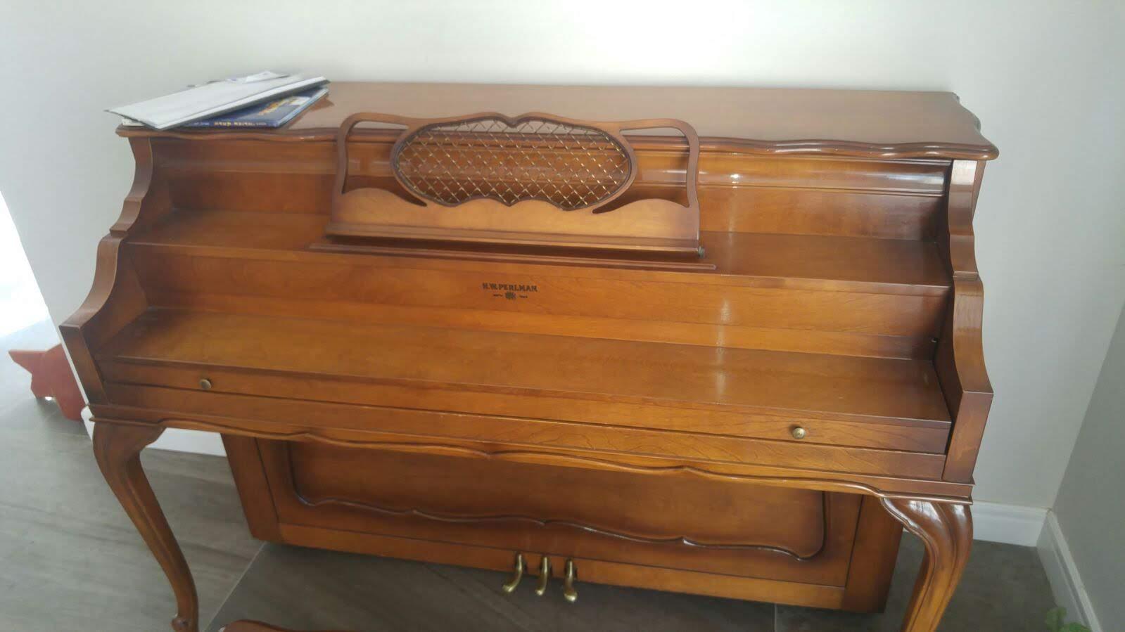 שחזור רהיטים - שחזור פסנתר - רסטורנו