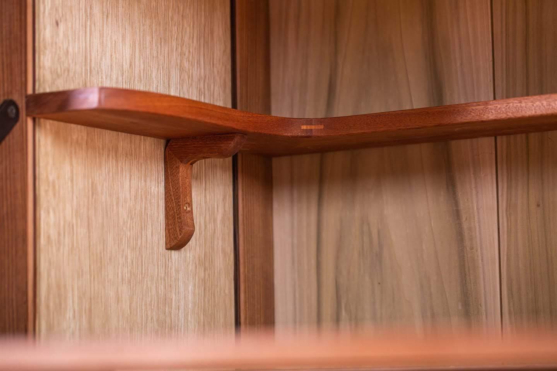 ייצור רהיטים בהתאמה אישית - ארון משקאות - רסטורנו